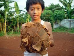 http://www.gunesintamicinde.com/yeni-bir-gozle-futbol-nedir-sosyo-psikolojik-bir-tahlil/